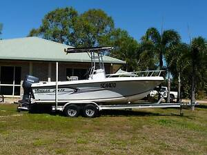 Angler (USA) 204FX Center Console Forrest Beach Hinchinbrook Area Preview