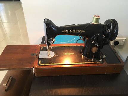 Singer sewing machine. Model 201K with Accessories