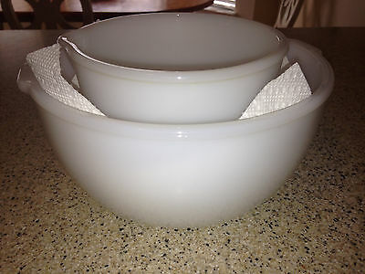 VTG LOT OF 2 SUNBEAM GLASBAKE WHITE MILK GLASS MIXING and POURING BOWLS: 20CJ