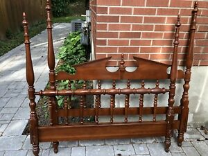 Vintage Colonial Style Full Size Headboard and Footboard