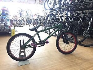 United recruit bmx bike