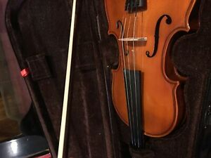 Stentor Music violin