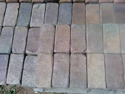 Lot#0112 Tumbled clay pavers