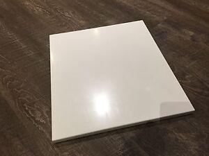 Porte armoire en thermoplastique blanc