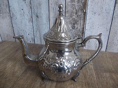 alte Silberfarbende Teekanne,Teekanne,Teegeschirr,vielleicht versilbert