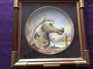 Collectible decorative plate