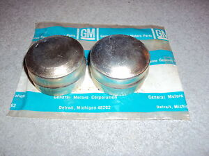 GM-NOS-Brake-Rotor-Grease-Dust-Caps-Buick-Chevy-Oldsmobile-Pontiac