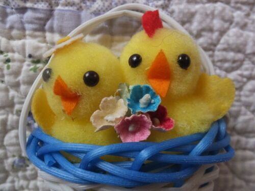 VINTAGE SQUEAKY BABY POM POM CHICKS PAPER FLOWERS BASKET EASTER DECORATION