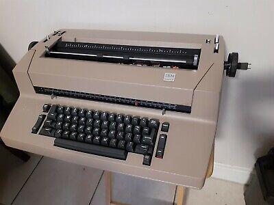 Vintage Ibm Self Correcting Selectric Ii Typewriter With Original Cover