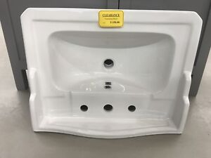 REDUCED TO CLEAR: Wall Hung Sink