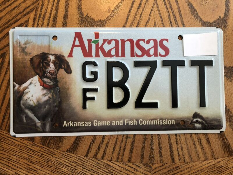 MINT AGFC Arkansas Game Fish Commission License Plate Bird Dog Hunting Wildlife