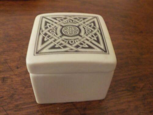 Cornadia Scotland Porcelain Square Trinket Box, Celtic Knot Design, Matte finish