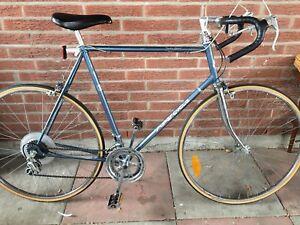 "Vintage 12 speed road bike - 25"" frame suits 5'9""-6'2"""