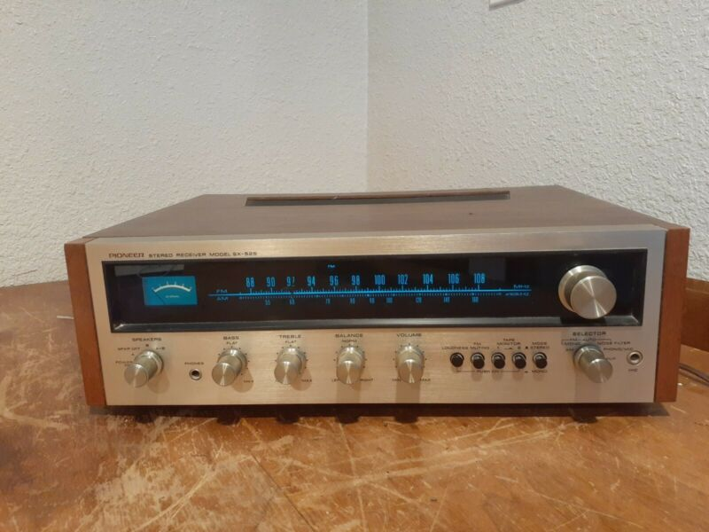 Vintage PIONEER SX-525 AM/FM Stereo Receiver amp amplifier TESTED