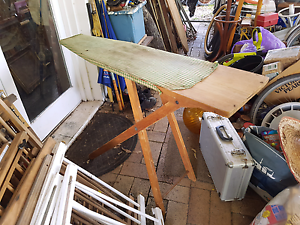 Vintage wooden ironing board with green tartan Joyner Pine Rivers Area Preview