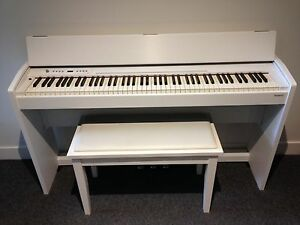 Roland F-120 digital piano white Collingwood Yarra Area Preview