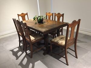 Antique dining table with 6 chairs and sideboard/buffet