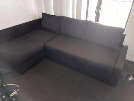 Black fantastic furniture sofa bed. fantastic furniture sofa in Coffs Harbour Area  NSW   Sofas