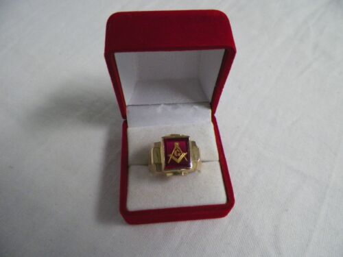 10K Gold Masonic Ring Mason Red Compass 8.53 grams Size 7-1/2