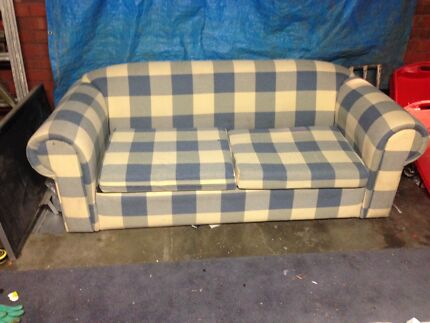 Two seater couch with pull out bed Thomastown Whittlesea Area Preview