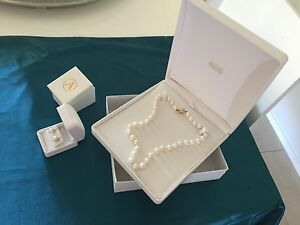 Pearls- Autore South Sea Drop White Pearl Strand and earrings Spring Farm Camden Area Preview