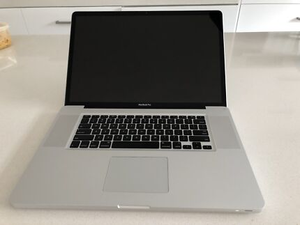MacBook Pro 17inch Early 2009 model 2.66Ghz  processor 1TB SSD  HD