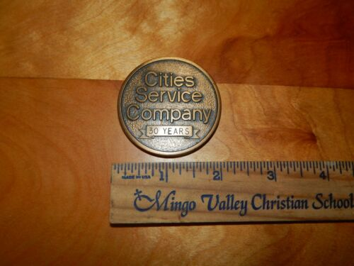 VINTAGE GOLD/BRASS TONE CITIES SERVICE COMPANY 30 YEARS MEDALLION OIL
