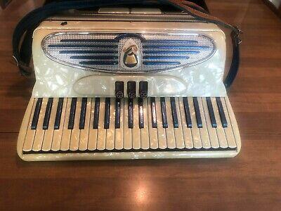 Vintage Italian GIULIETTI CRICCHIO DELUXE Model S32 ACCORDION Music Instrument