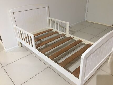 Mothers Choice Toddler Bed