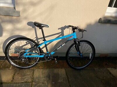 "Frog 62 Team Sky Kids Bike - Blue To Suit 9-13 YO Additional unused ""Road"" tyres"