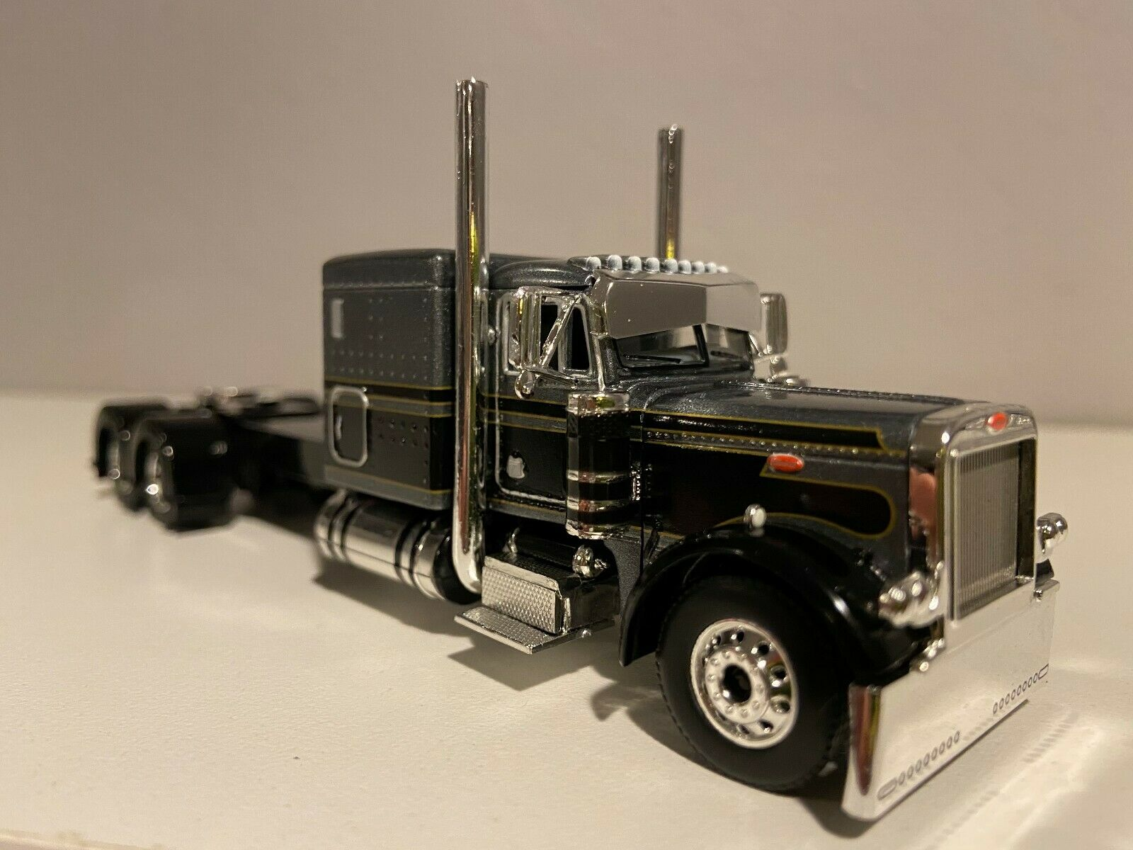 "NEW DCP BLACK & SILVER PETERBILT 379 60"" BUNK 320"" FRAME (6 12"" long)"