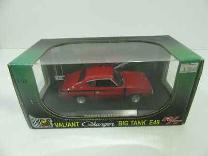 RED VALIANT CHARGER DIE CAST MODEL 1/32 SCALE E49 RT BIG TANK V8