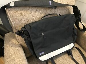 Used Once Patagonia Courier Bag - Mint
