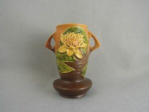 Roseville-Pottery-Water-Lily-Brown-Vase-75-7