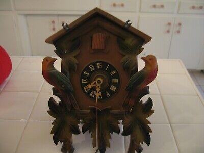 Beautiful Vintage Black Forest German Wood CUCKOO CLOCK With Birds