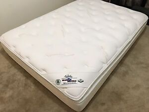 Brand new double mattress / matelas - delivery