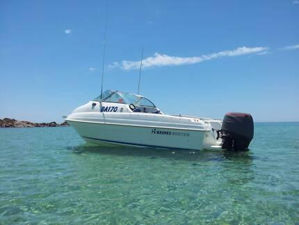 Haines Hunter 5.2m Cuddy Cab. Boat