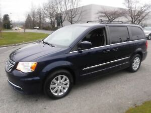 2014 Chrysler Town & Country Touring Stow n Go