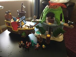 Jake and the never land pirates ship and treehouse