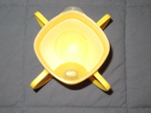 HTF VTG Tommee Tippee Playskool Yellow 4 Handle Sippy Cup 1986