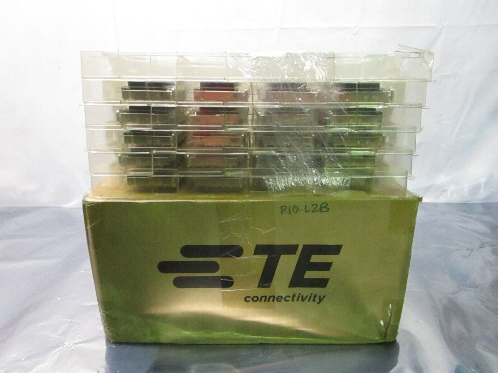 1 Lot of 40 TE connectivity AMP Brand 2170551-1 1X6 CAGE ASSEMBLY, 102416