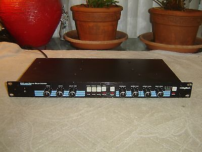 Signal Processors/Rack Effects - Digital Delay System