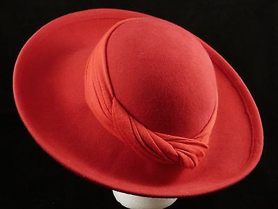 Vintage BETMAR Women's Wide Brim Red Hat 100% Wool Felt with Fabric Wrap M ~22