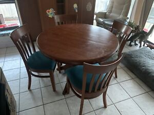 Solid pine 4 seater table