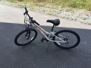 Girl bicycle size 20 in