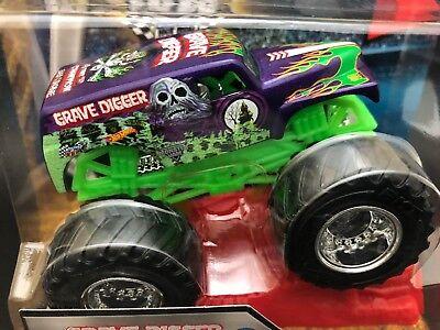 2016 Hot Wheels 1/64 GRAVE DIGGER # 59 New Look PURPLE Monster Jam Truck