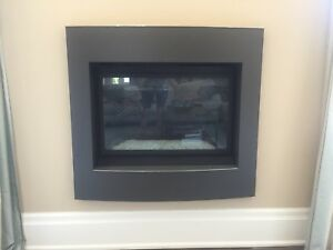 Electronic ignition gas fireplace insert