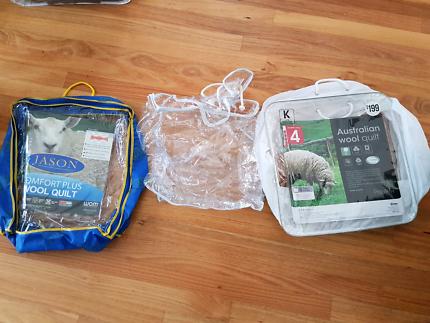 Pending pickup - 3x Quilt bags