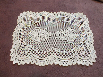 """Collectible Beautiful Heritage Lace Doily Table Linen Off White 18 x 13"""" Hearts"""