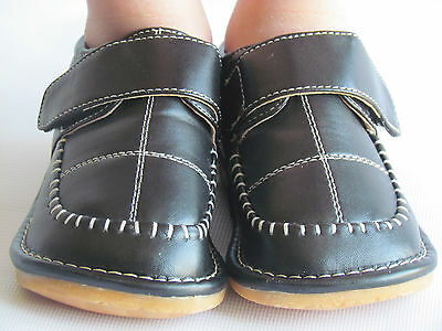 Dress Shoes For Toddler Boy (Toddler Shoes - Squeaky Shoes - Boys Black Dress Shoes, Up to Size 7 for)